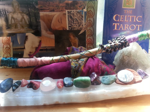 CHARGING THE CARDS &TUNING        INTO THE CELTIC TAROT