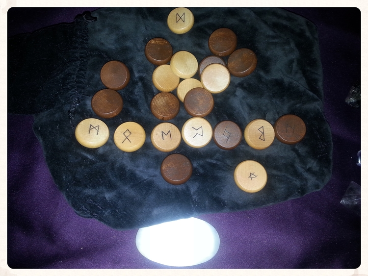 RUNE CASTING FOR THE WEEK FOR OCTOBER 17TH -23RD 2015