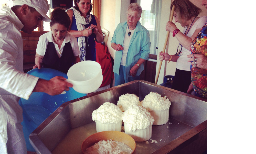 Ricotta making demonstration in Ferla