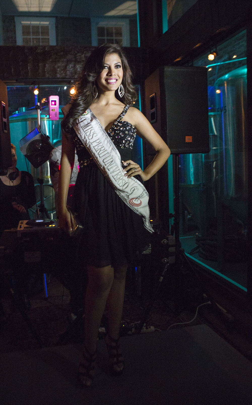 Miss Peru 2014 models during the fashion show at Darwin's Restaurant.  © Karen Arango