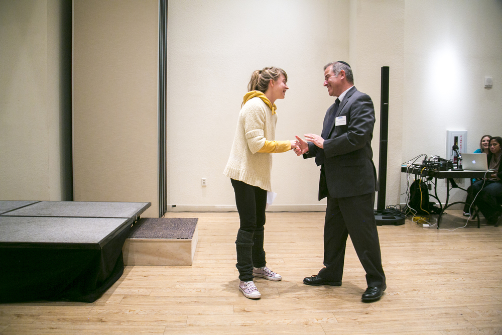 One of the winners thanks the founder at the  Annual Judaica Competition .  © Karen Arango