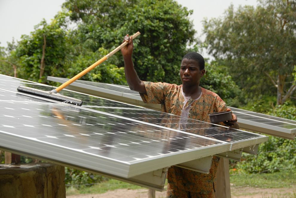 great-energy-challenge-grantees-solar-electric_42918_990x742.jpg