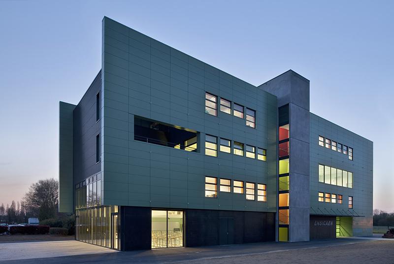 Caen - EnsiCaen - Ecole d'ingénieur     Crédit : Michel Denancé - Roger Elbaz