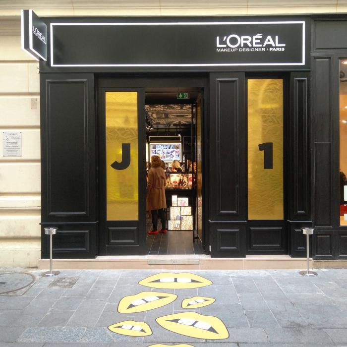la-facade-de-la-boutique-l-oreal-paris-au 2.jpg