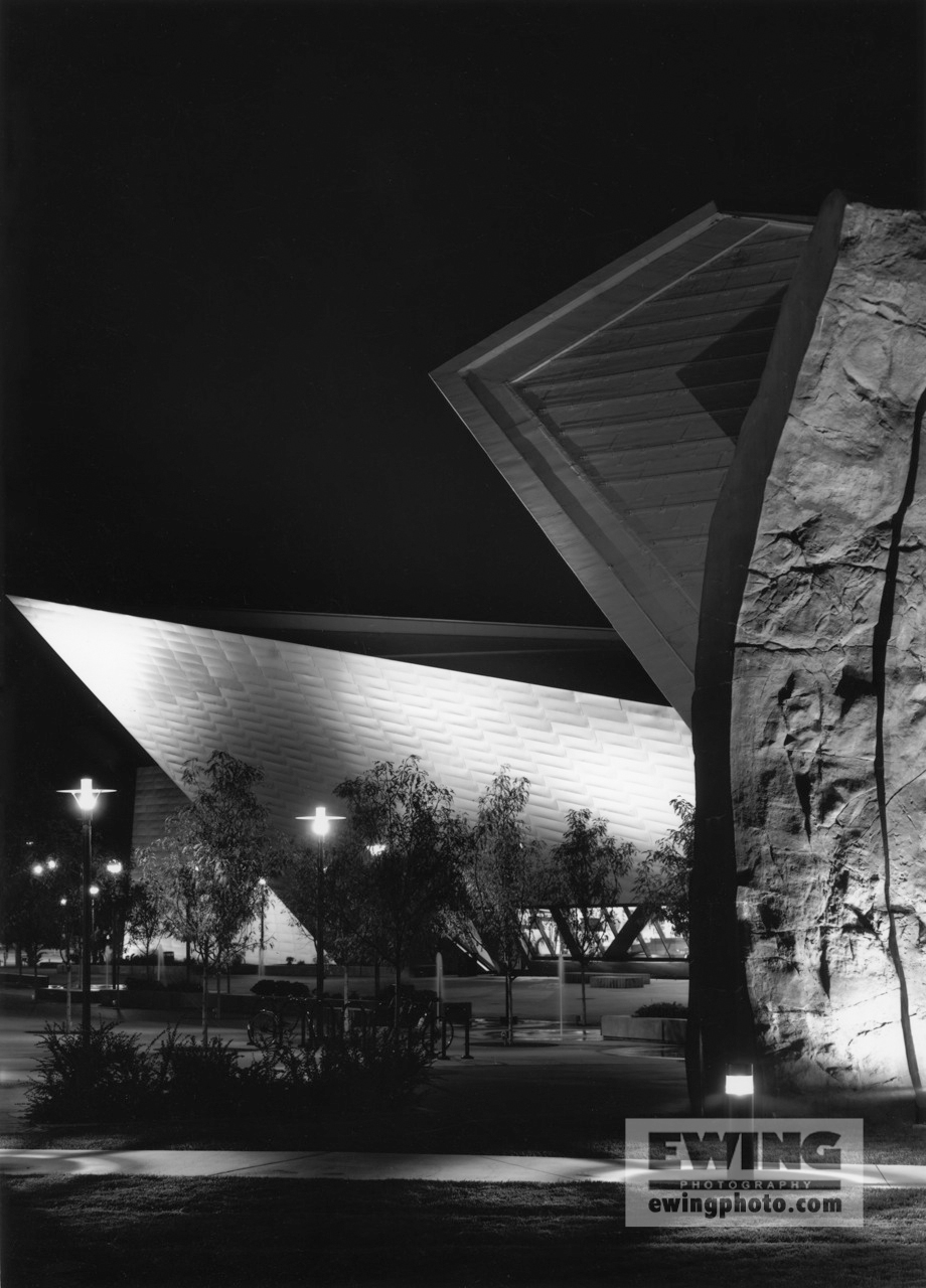 Night, Denver Art Museum Hamilton Building, Denver Colorado