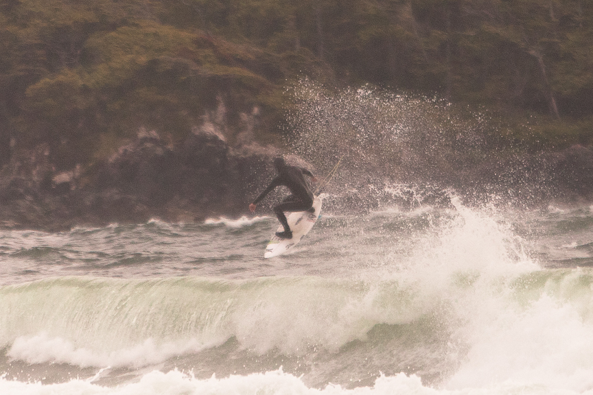 Peter Devries making the Rip Curl Pro Tofino warm up look like a WCT event.