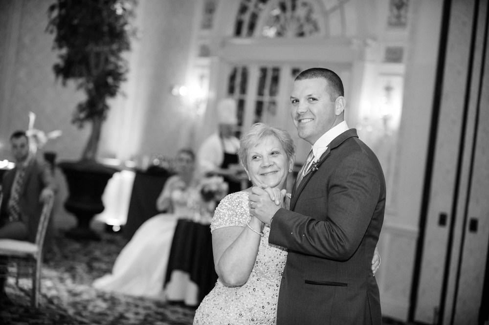 hotel Roanoke wedding dance