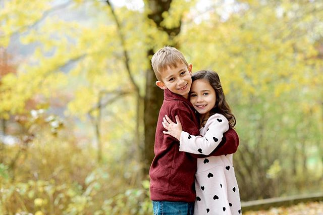 Everett and Josie were a joy to #photograph this past weekend. #fall #family #photoshoots are such a fun time! We had a great time together this past weekend #childrenphotos #children  #childrenphotography #childrenphotographer
