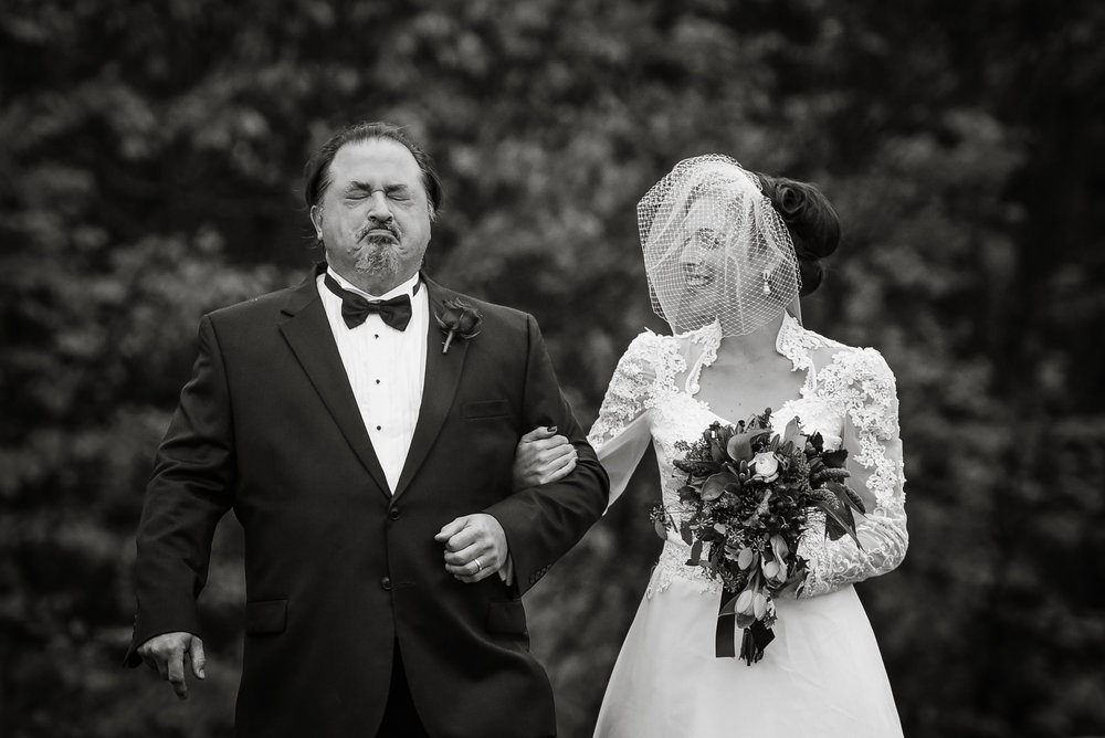 Bride and her dad walk down the aisle, photographed by Mike Sears Photography