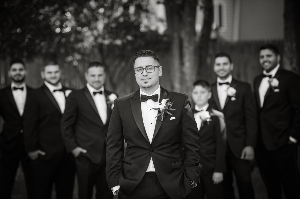 Groomsmen at Lakeview Pavilion wedding, photographed by Mike Sears Photography