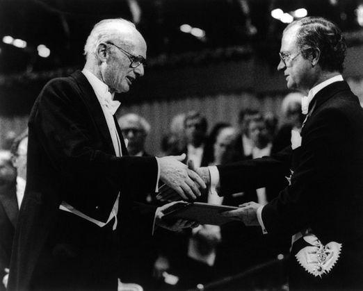 Harry Markowitz receiving his Nobel for what was, it would seem, quite an interesting financial model. And he is a  Baruchian  to boot.