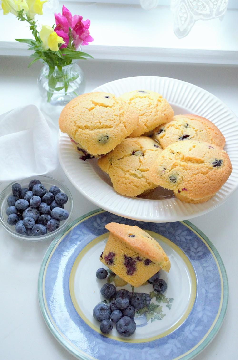 blueberry corn muffins (12).jpg