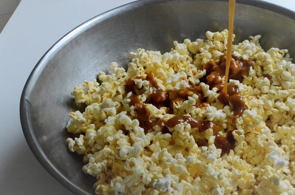 caramel popcorn (9).JPG