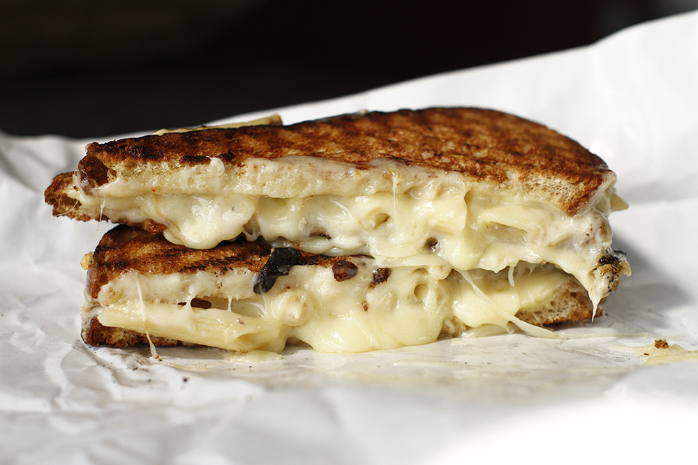 Beecher's Secret: Mac and Cheese Grilled Cheese Sandwich