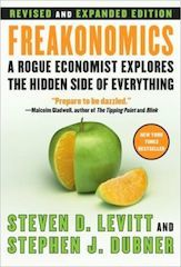 Through unconventional examples such as sumo wrestling, drug dealing, and the sale of real estate, Freakonomics discusses how, at its root, economics is nothing more than the study of incentives. .