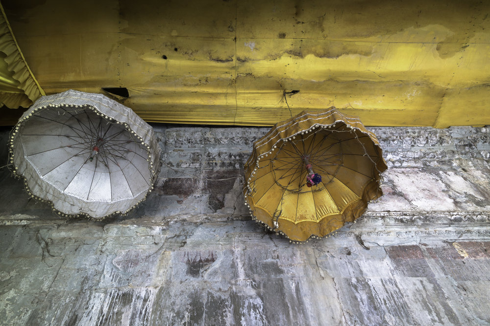 Hanging-buddies-Ankor-Wat-Cambodia.jpg