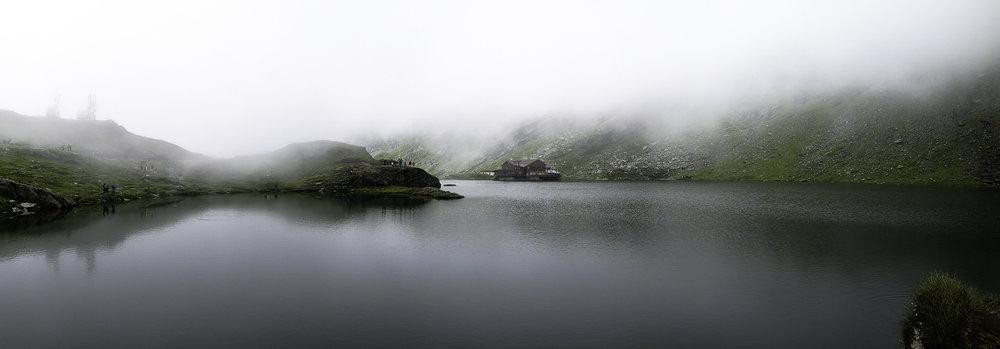Lacul-Balea-Transfagarasan-Romania.jpg