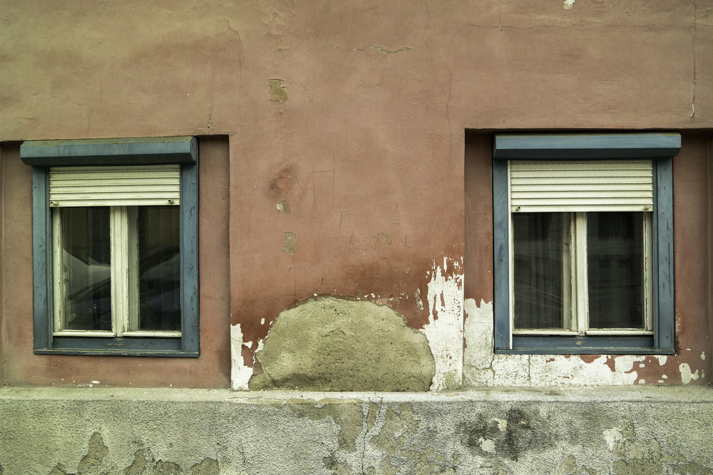 Funny-nose-face-windows-of-Romania.jpg