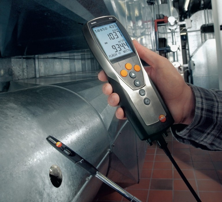 testo-435-measuring-flow-velocity-in-ventilation-ducts_iz.jpg
