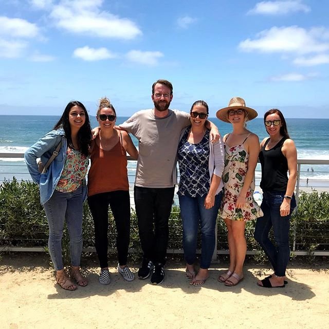 The wifi was terrible, but the view was unbeatable. Thanks @mrs_winkel for getting us outside for our lunch break! 💻🌴 . . . . . #digitalmarketing #solanabeach #sandiego #sandiegoagency #digitalmarketingagency #digitalmarketingtips #agencylife #seo #socialmediamarketing #lunchbreak
