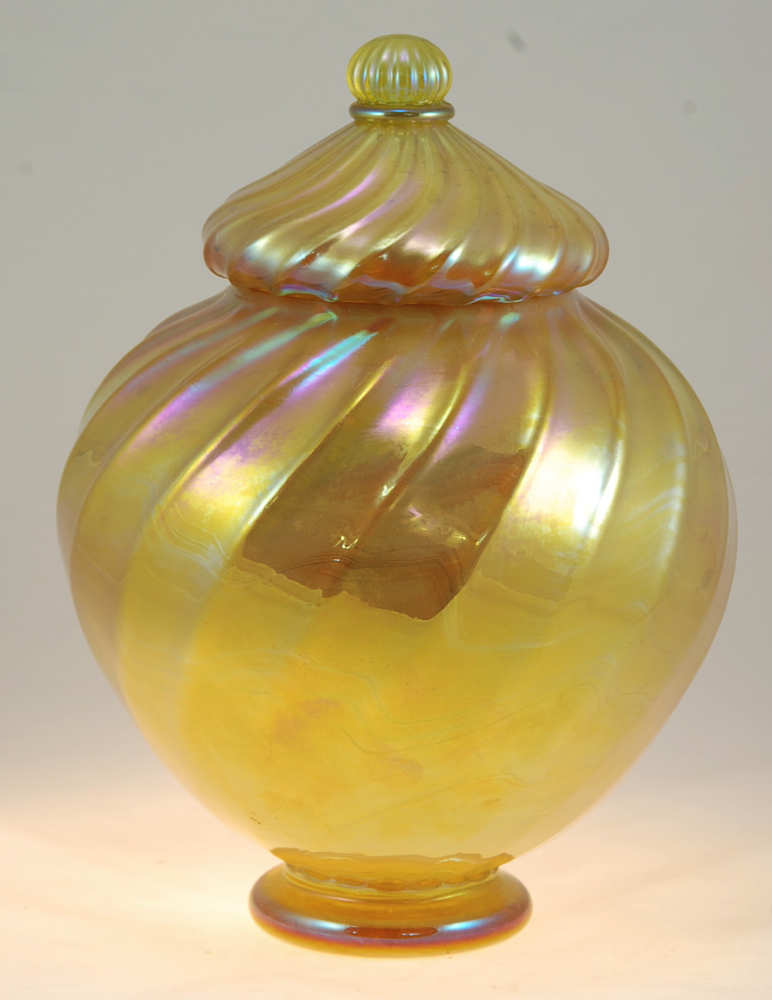 Gold Optic Lided Urn