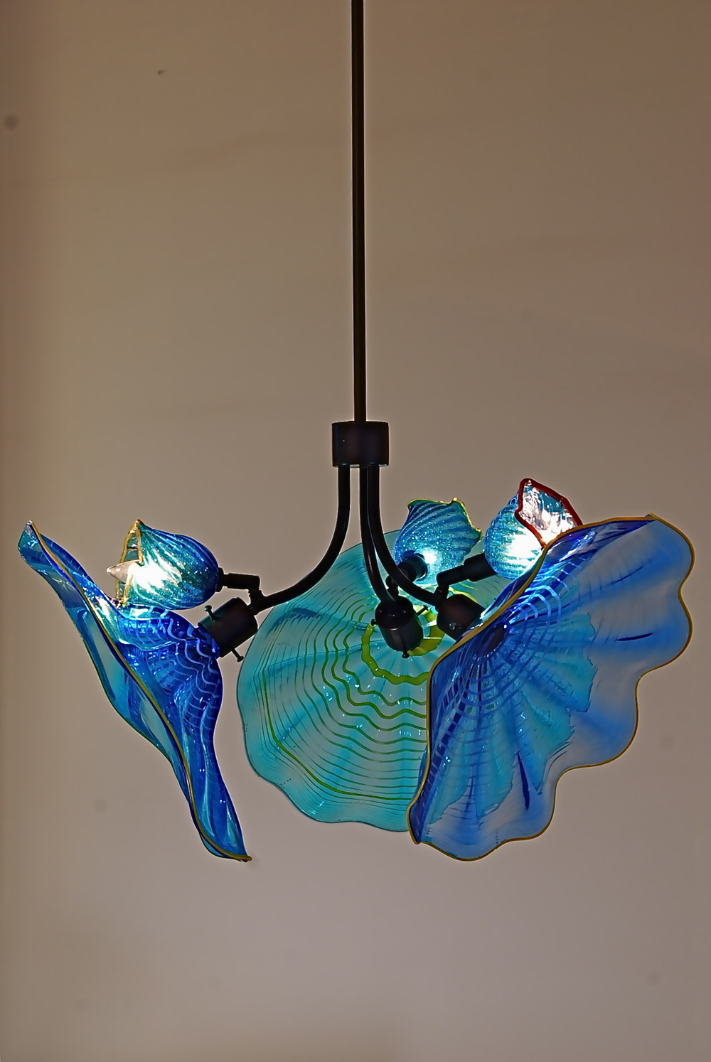 3light chandelier artist rick strini 7.JPG