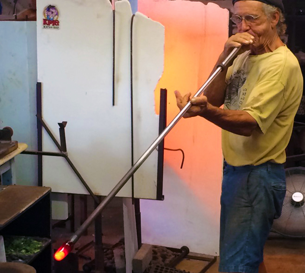 the artist captured starting a blown piece in Strini Art Glass.  2015