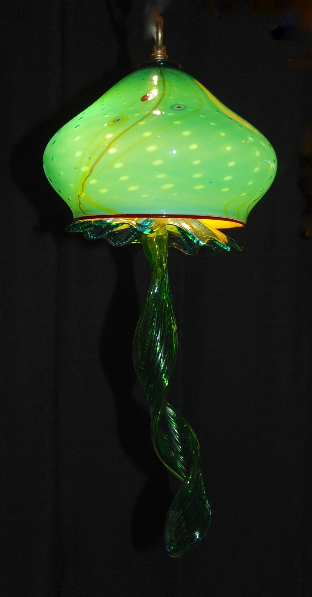 Jellyfish for the Ritzels  strini art glass. 02.jpg