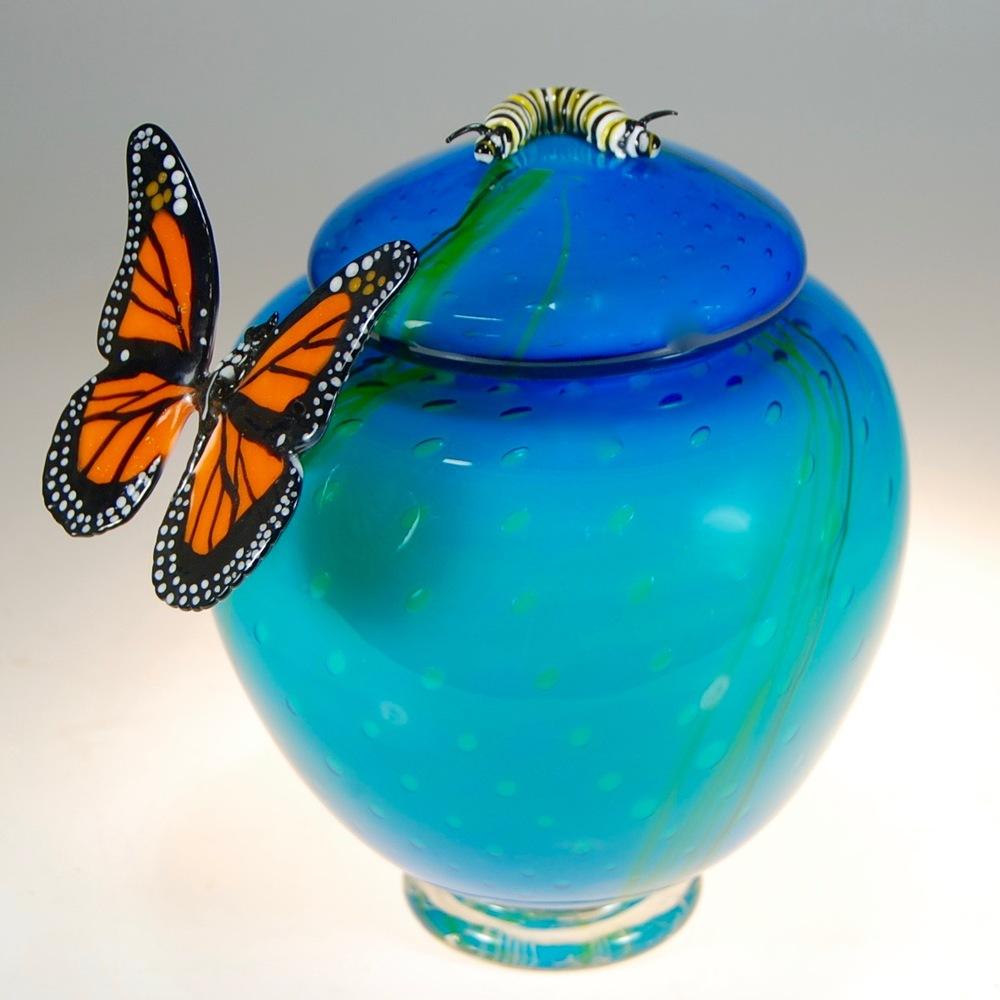 monarch catapiller strini 04.jpg