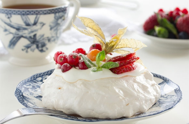 Pavlova, Australia And New Zealand (Photo: Pavlova via Shutterstock)