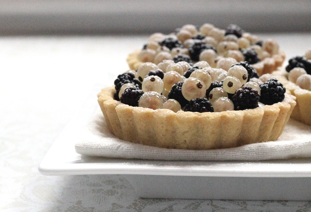 Paris-inspired white currant-blackberry tart