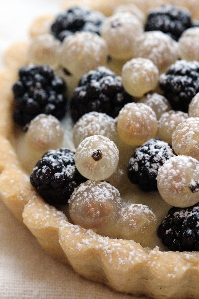 Close-up: White Currant Blackberry Tart
