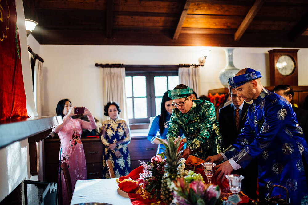 Vietnamese Tea Ceremony wedding