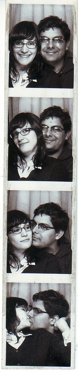 jesse billie photobooth.jpg