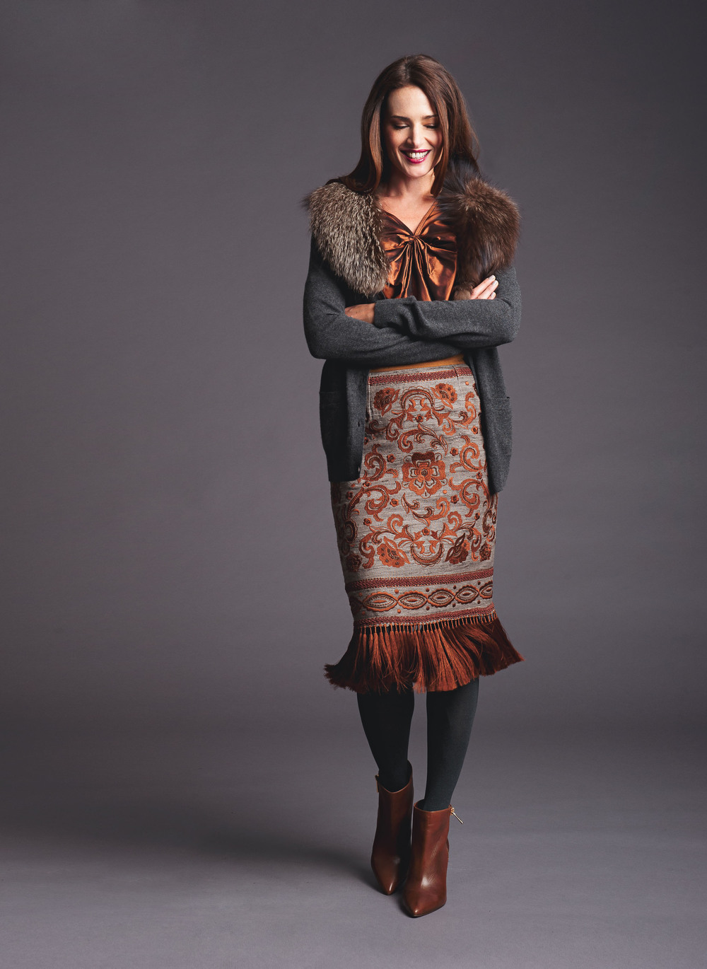 cashmere cardigan with detachable fur collar twisted top fringe skirt