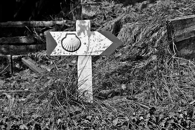 Pilgrimage sign bw.png