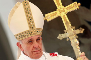 Pope Francis with cross.png