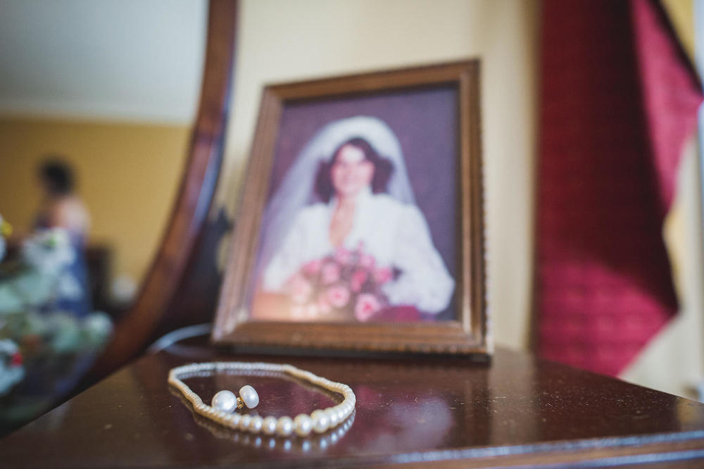 Emily-Travis-Cowichan-Wedding-Deringer-Photography-7.jpg