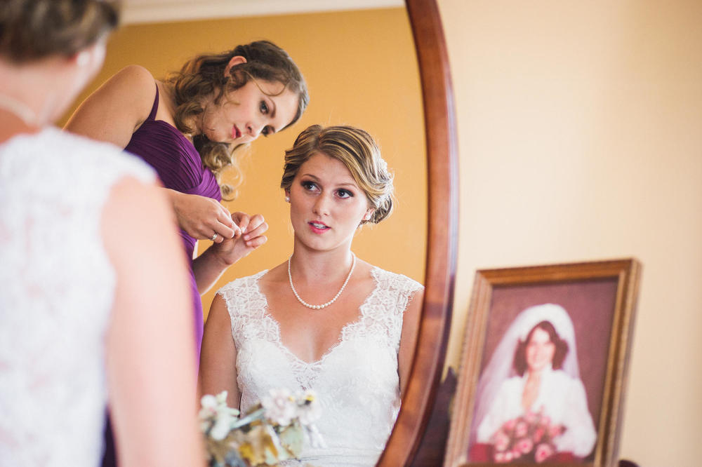Emily-Travis-Cowichan-Wedding-Deringer-Photography-16.jpg
