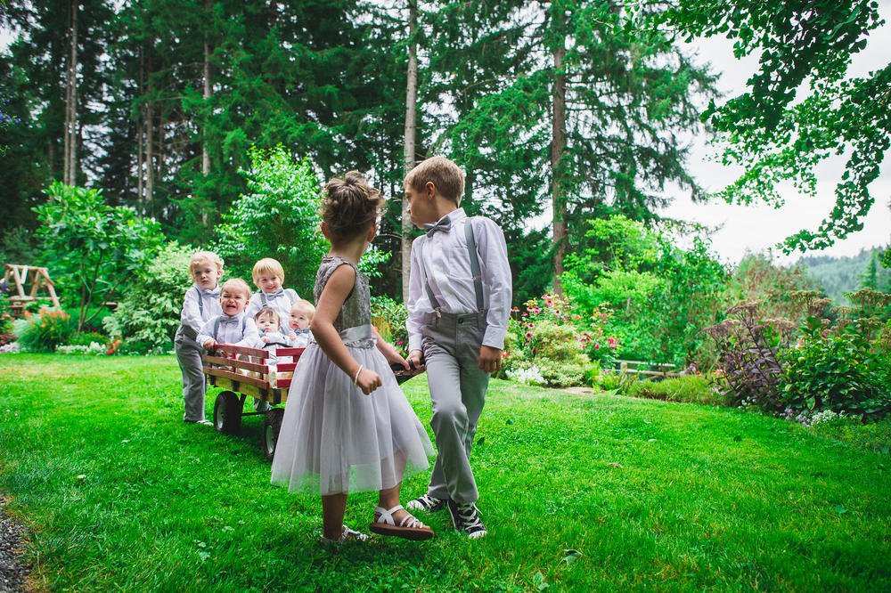 Emily-Travis-Cowichan-Wedding-Deringer-Photography-29.jpg