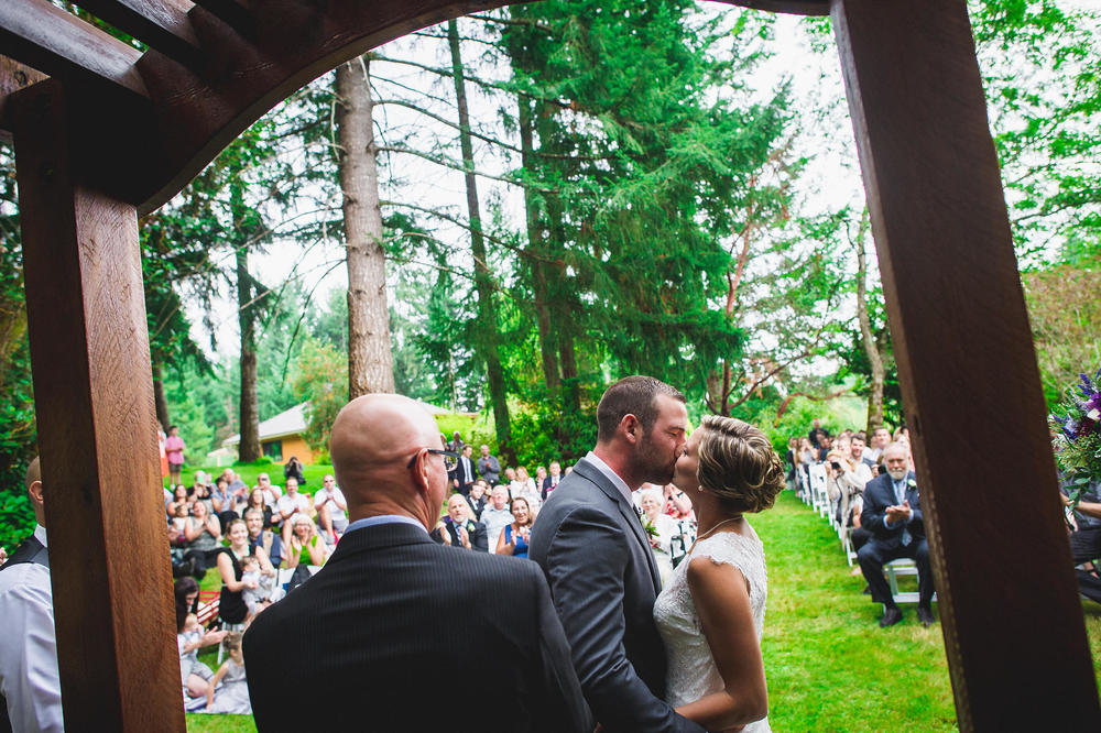 Emily-Travis-Cowichan-Wedding-Deringer-Photography-37.jpg