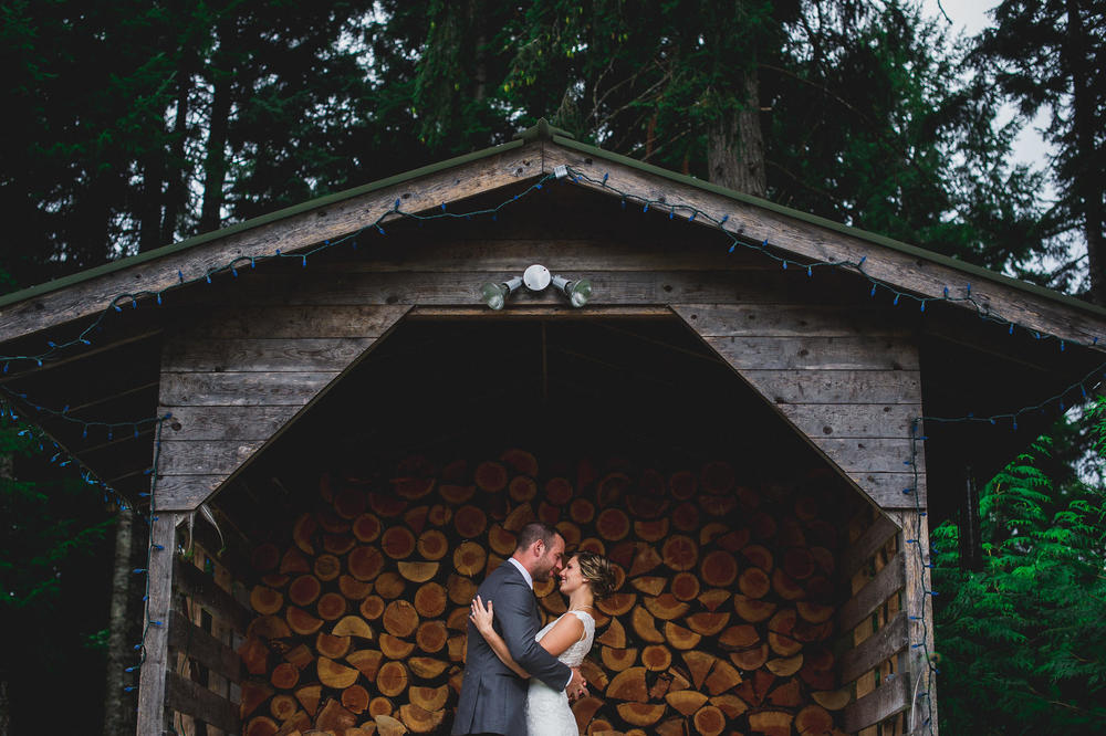 Emily-Travis-Cowichan-Wedding-Deringer-Photography-45.jpg