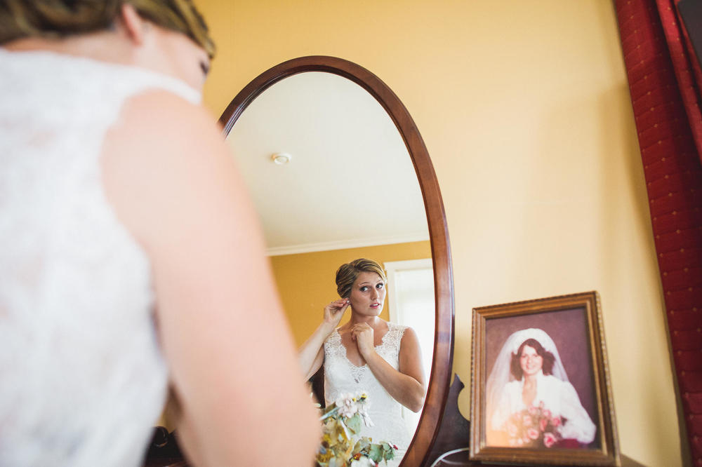 Emily-Travis-Cowichan-Wedding-Deringer-Photography-13.jpg