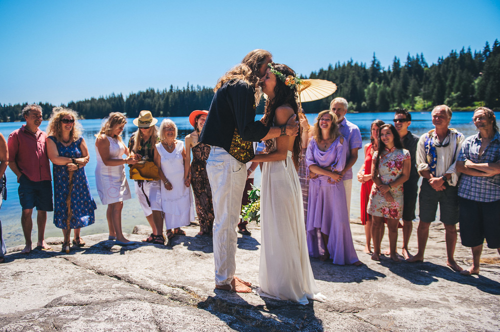 Deringer Photography-Cortes Island Wedding-34.jpg