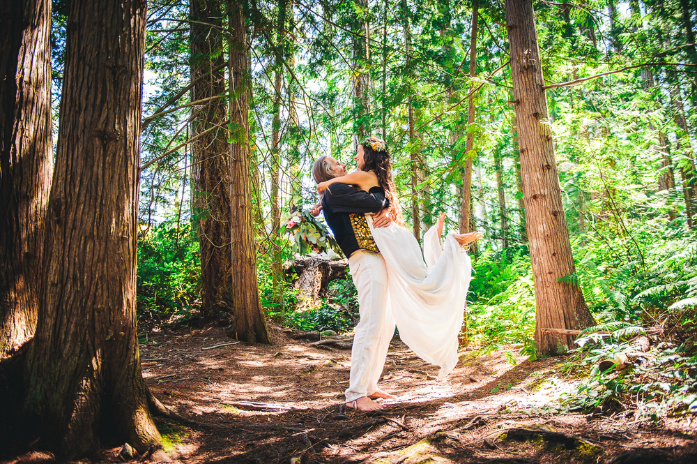 Deringer Photography-Cortes Island Wedding-52.jpg
