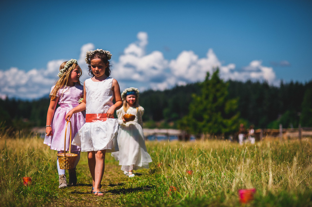 Deringer Photography-Cortes Island Wedding-64.jpg