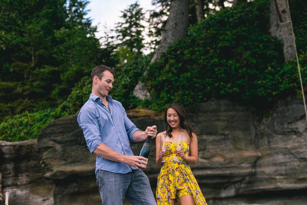 2018-08-16 Deringer Photography Vancouver Island Beach Wedding-12.jpg