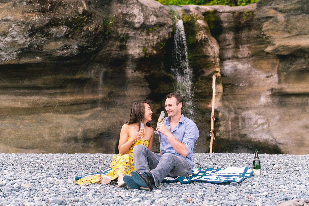 2018-08-16 Deringer Photography Vancouver Island Beach Wedding-14.jpg