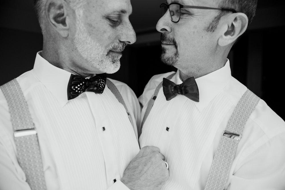 2018-09-01 Andrew Keith Deringer Photography Laurel Point Inn Wedding-21.jpg