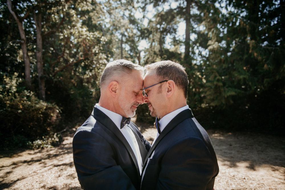 2018-09-01 Andrew Keith Deringer Photography Laurel Point Inn Wedding-26.jpg